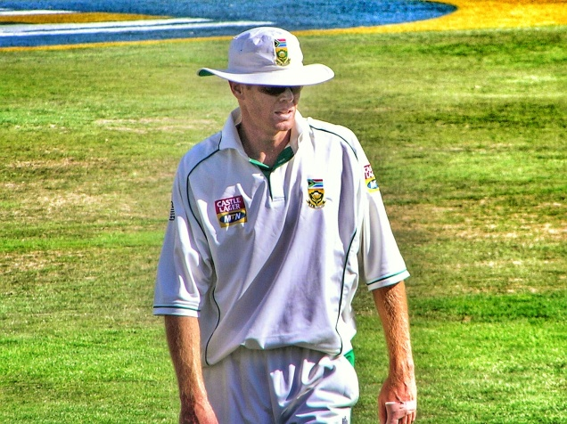 Memories of Newlands 2005 - Shaun Pollock Fielding at Fine Leg